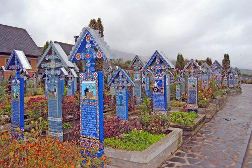cimitirul vesel il cimitero allegro maramures romania b46225e0 c0e2 4f3d 8f27 d9d3363e238a 1